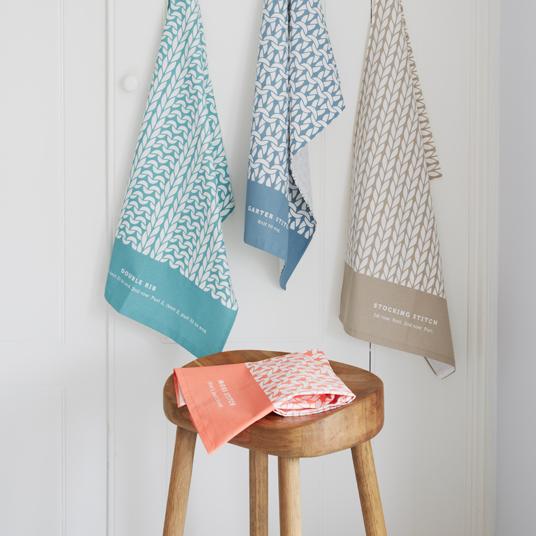 debbie bliss stitch tea towels image 1